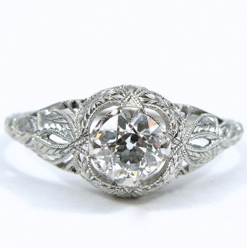 Joint Venture Jewelry offers a vast selection of vintage and estate rings such as sapphire rings, diamond rings, birthstone rings, colored stone rights wedding rings in platinum, white gold, yellow gold and sterling silver.
